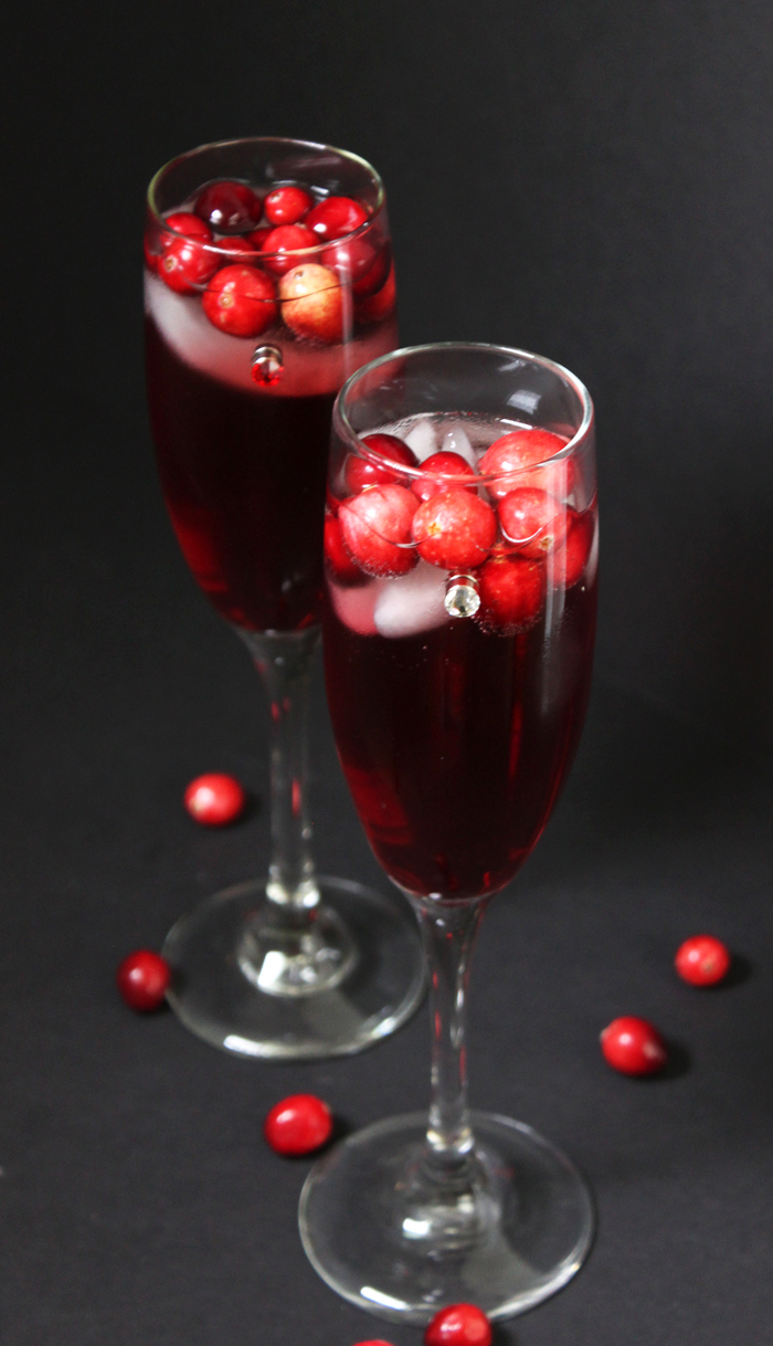 Thanksgiving champagne cranberry cocktail